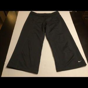 Nike Fit Dry Capri Workout Pants